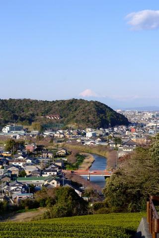 勝間田川と富士山