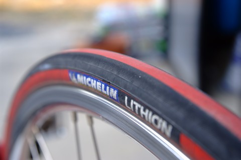 MICHELIN LITHION レッド 700×23C