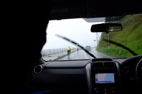 雨の中の激走