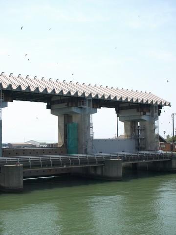 萩間川河口
